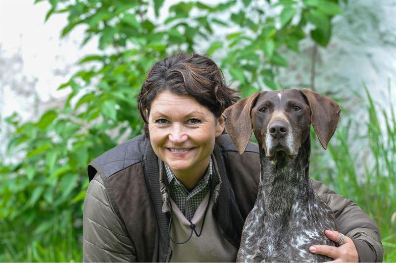 Först i världen med skogsbrandhund